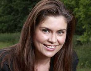 Amanda Lamb - My Flat Pack Home