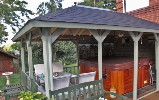 Outdoor living with a fantastic Lugarde veranda