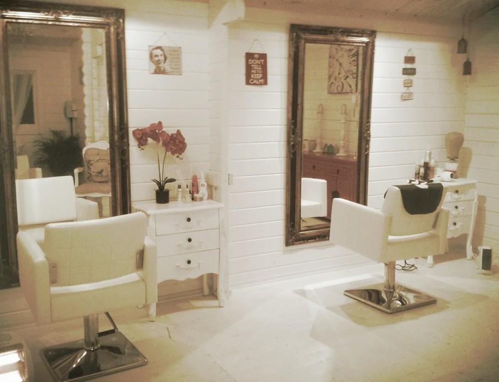 A new log cabin hair salon for Hummingbird Hair