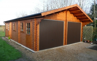 Log cabin double garage & workshop