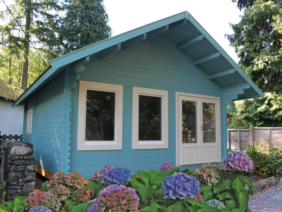 Keops Cottage cabin with WRML windows