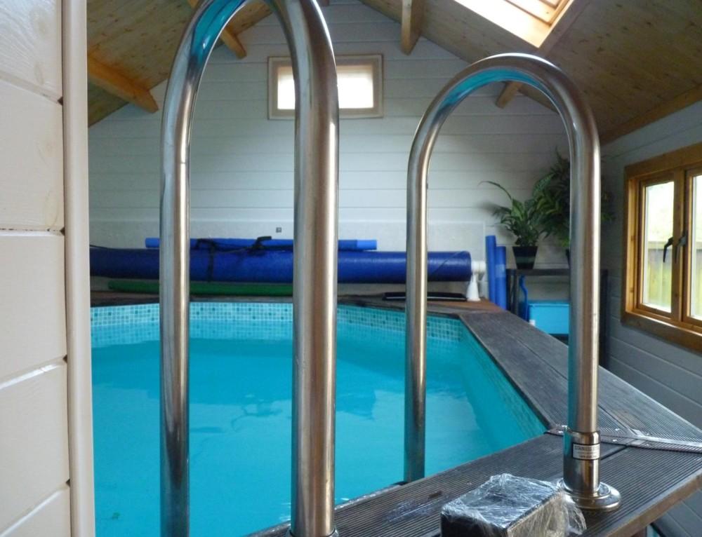 Tim & Caroline's log cabin pool room