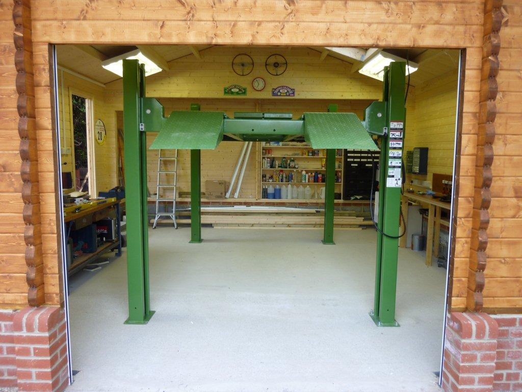 A timber garage for a classic car enthusiast keops for Home garage shop