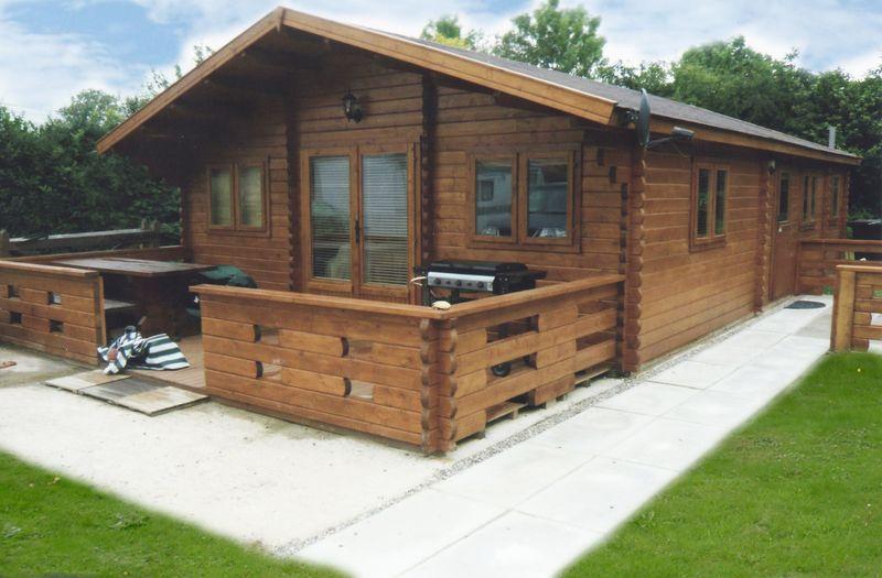 Build a log cabin in France