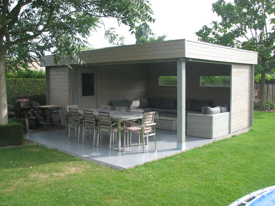 moderna-chalmers log cabin with canopy