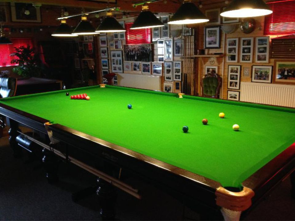The perfect size log cabin for a full size snooker table