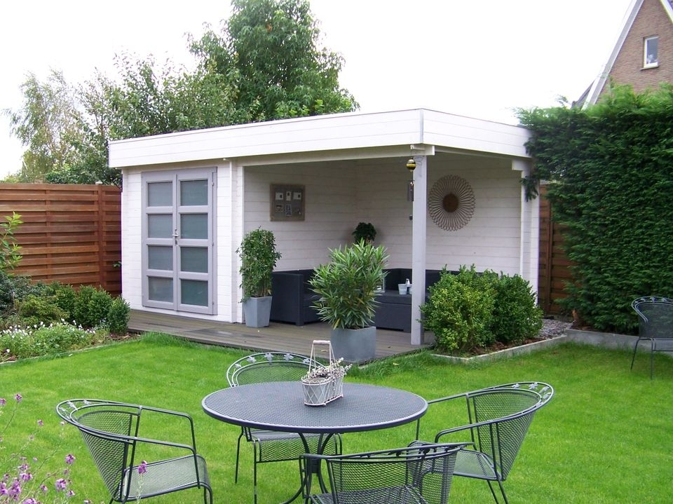 Cornish Keops Moderna flat roof log cabin