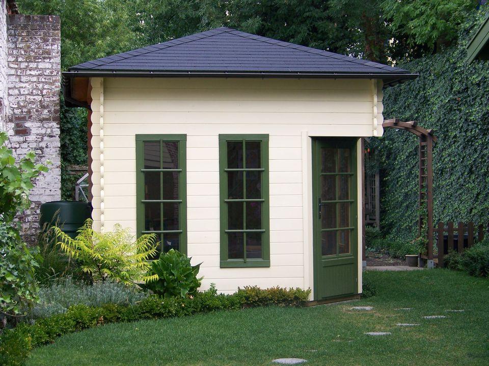 Hudson Keops Penta pyramid roof log cabin