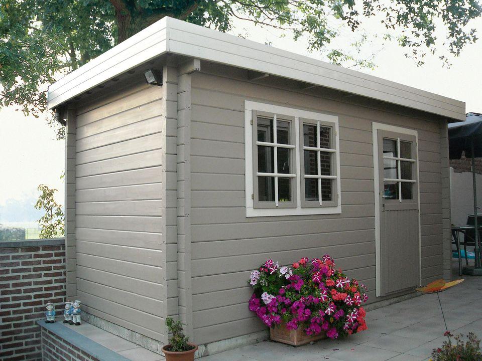 Laird Keops Moderna flat roof log cabin