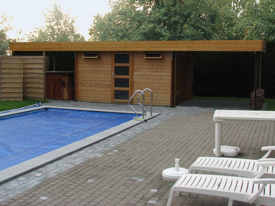 Samworth Keops Moderna flat roof log cabin