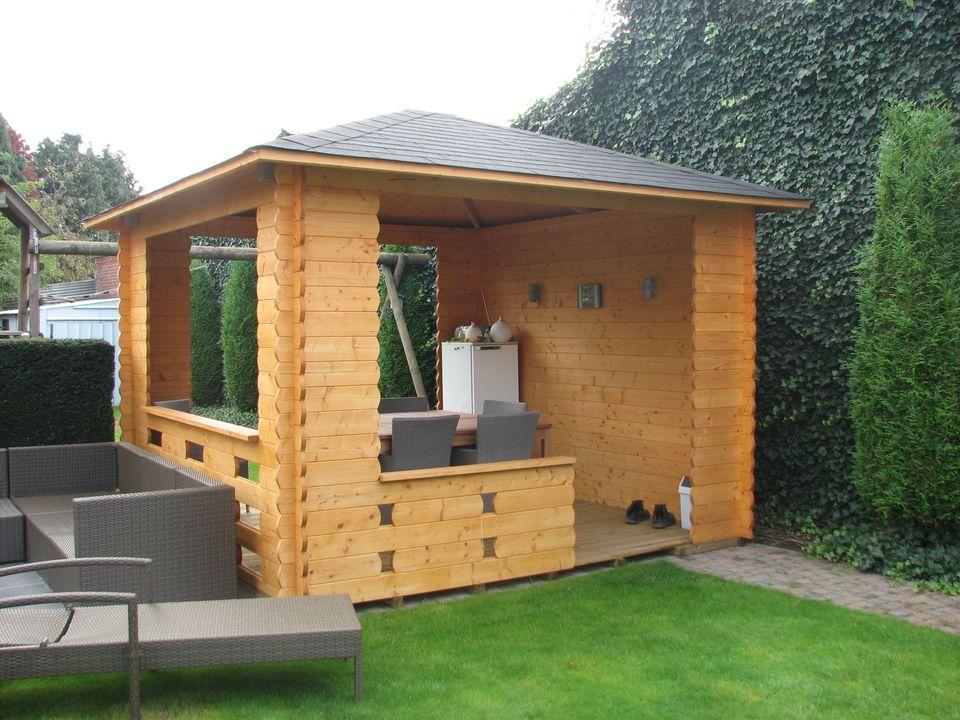 Wild Keops Quatra pyramid roof log cabin