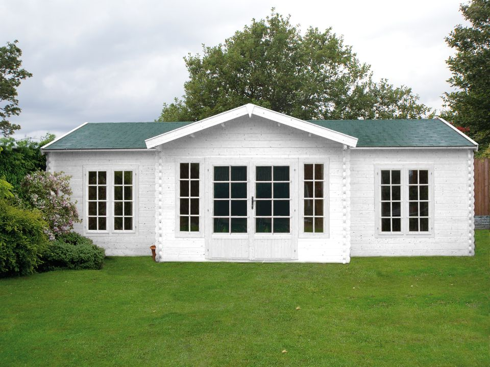 Cox Keops Evesham log cabin with feature porch