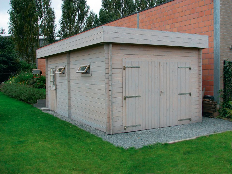Brown Keops Moderna flat roof single garage