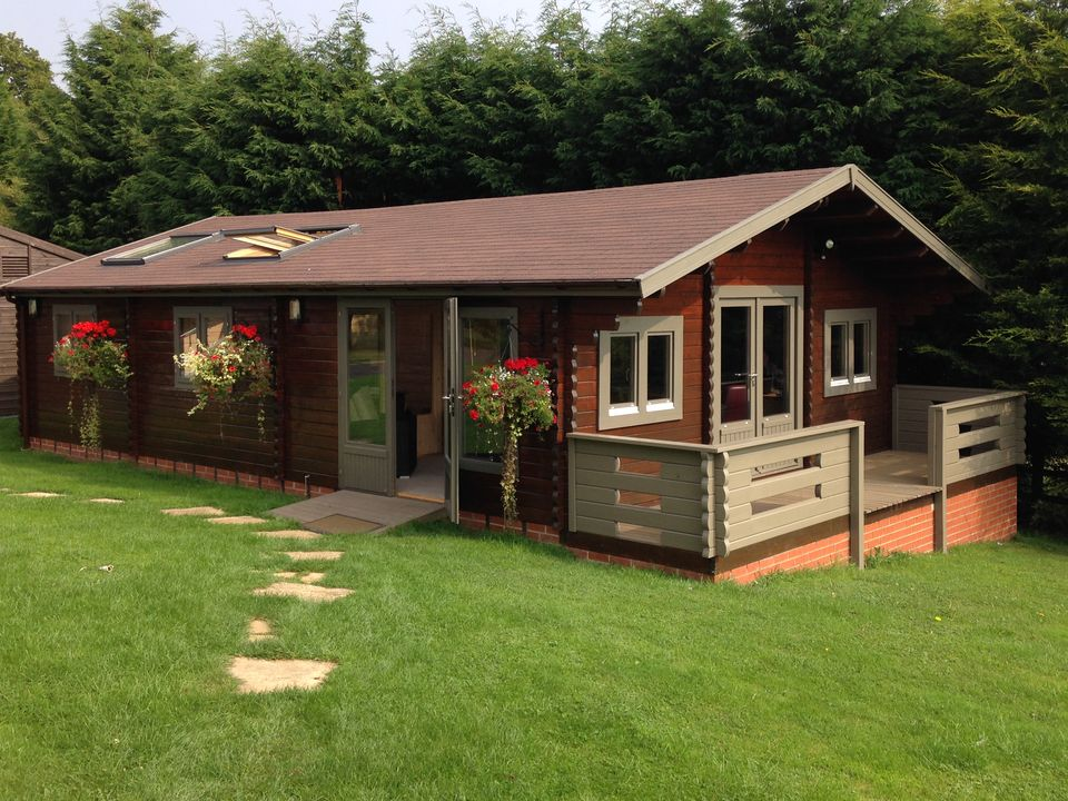 Keops two bedroom lodge keops interlock log cabins for 2 bedroom cabins to build