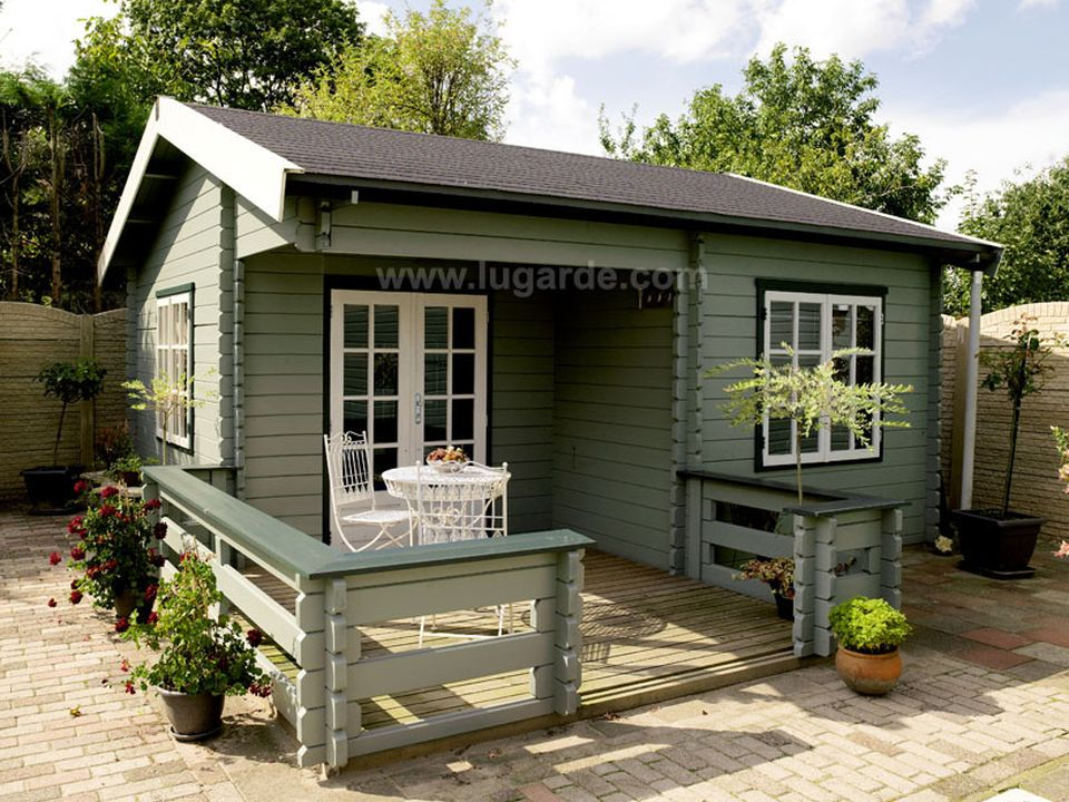 Lugarde Paris log cabin