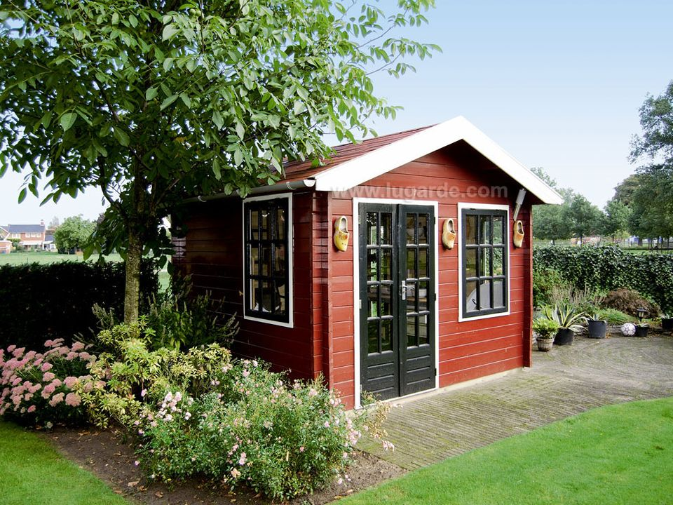 Lugarde Wales log cabin
