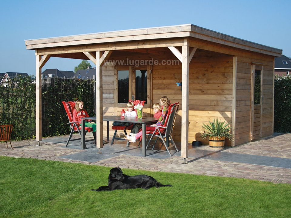 Lugarde Prima Lucas flat roof summerhouse with canopy