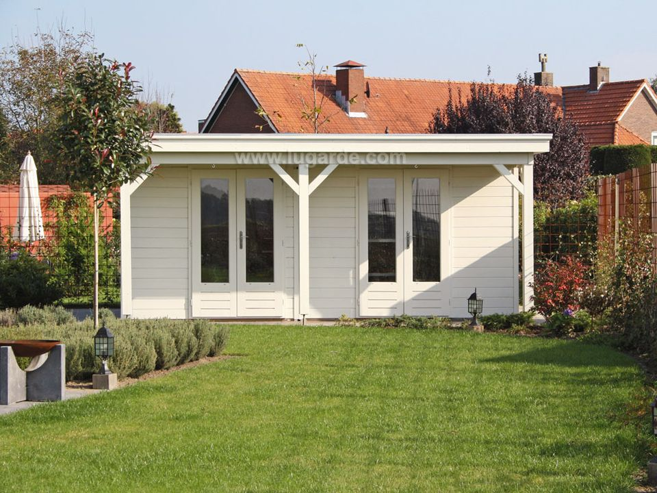 Lugarde Prima Thomas flat roof summerhouse with canopy