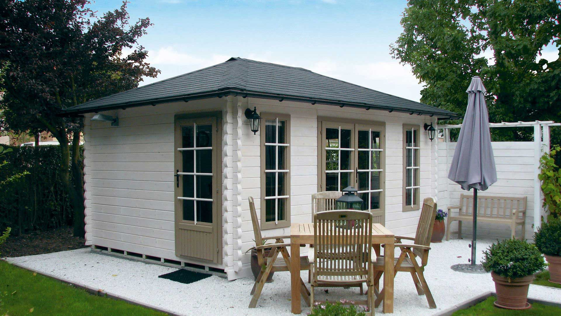 Keops Interlock log cabins with pyramid style roof