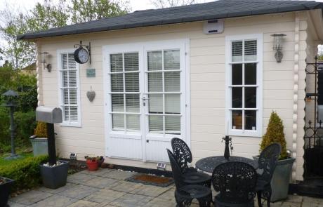 Angela's Quatra log cabin