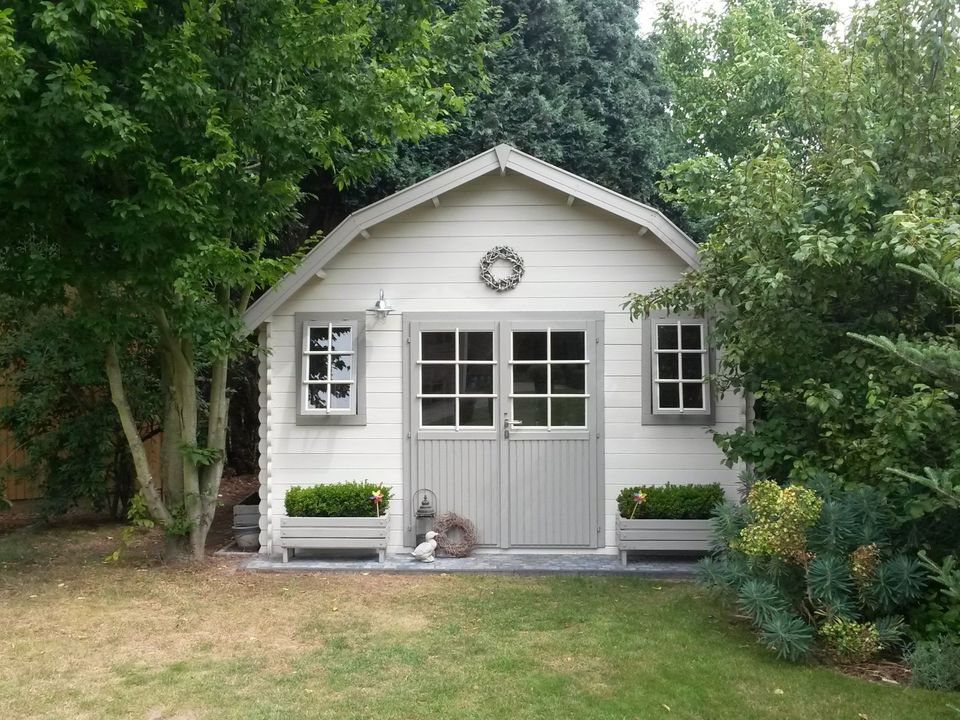 Mrs Walton's Dutch log cabin from Keops Interlock