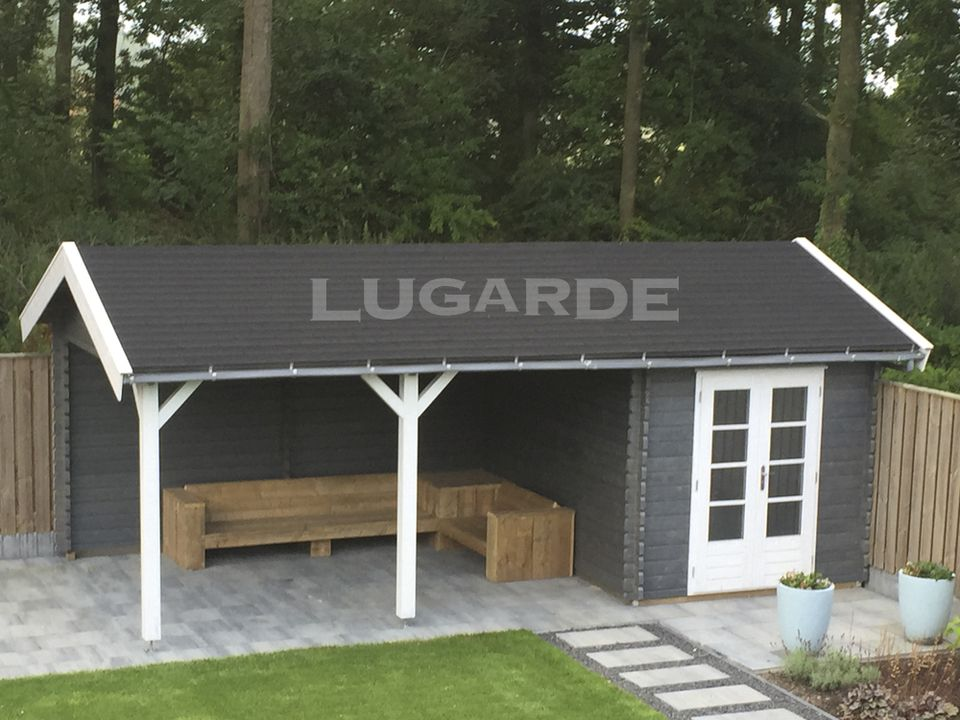 Lugarde Bergamo log cabin