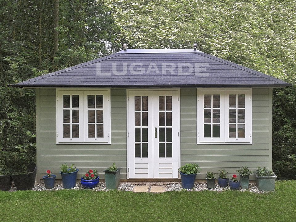 Lugarde Prima Mia pyramid roof summerhouse