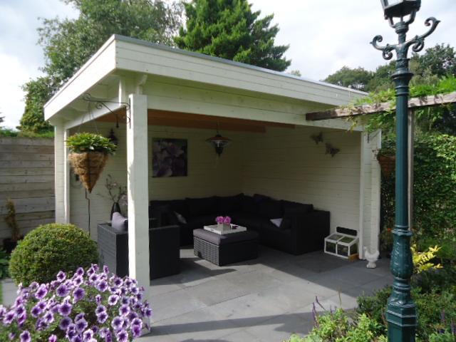 Keops Moderna style flat roof gazebo