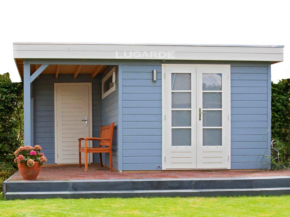 Lugarde PR16 summerhouse with canopy and rear wall with door