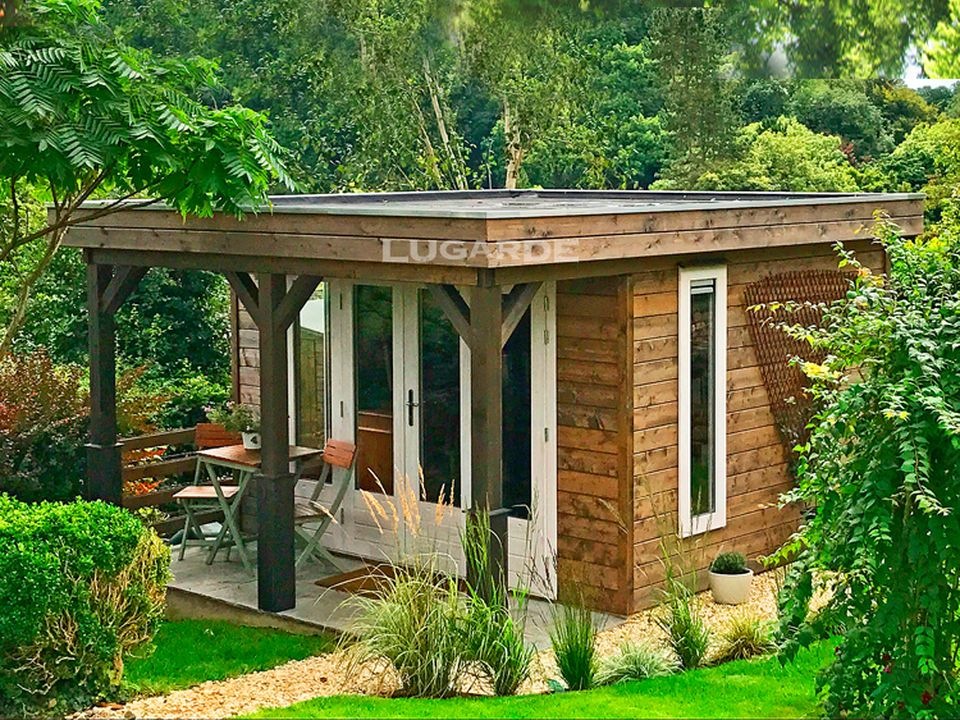 Lugarde PR17 flat roof summerhouse with front canopy and posts
