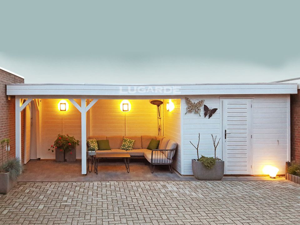 Lugarde Prima PR47 flat roof sumerhouse with large side canopy