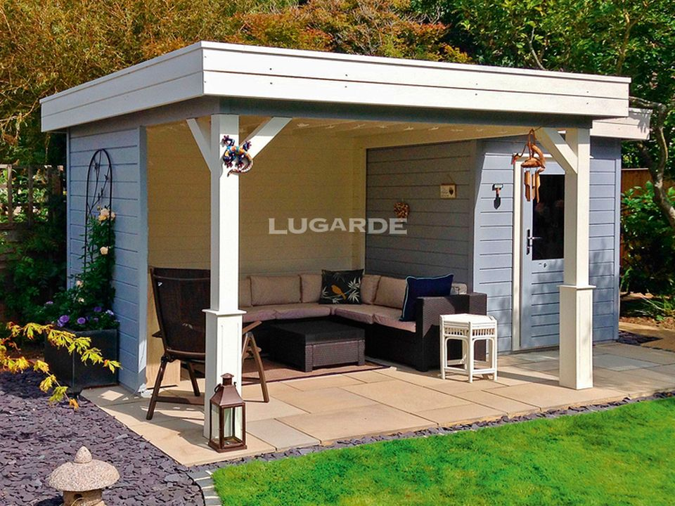 Lugarde PR9 flat roof summerhouse with large side canopy