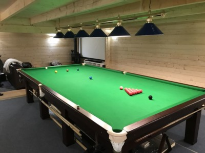 Snooker log cabin with cinema room