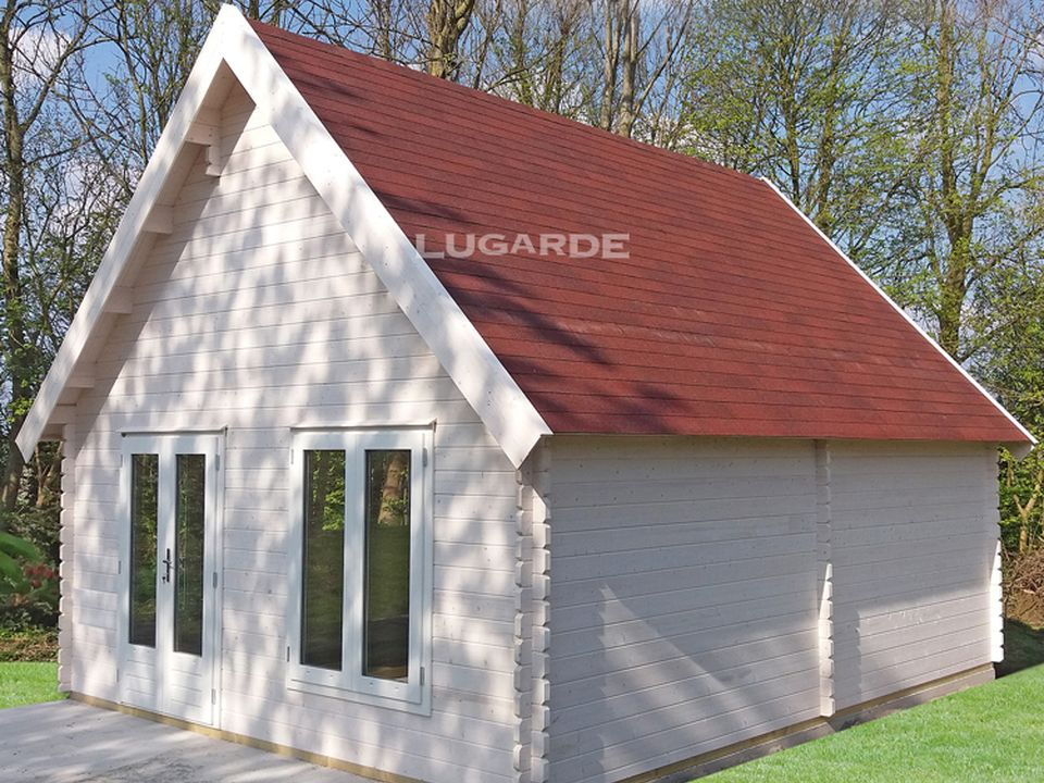 Lugarde Norden B55 log cabin with steep roof