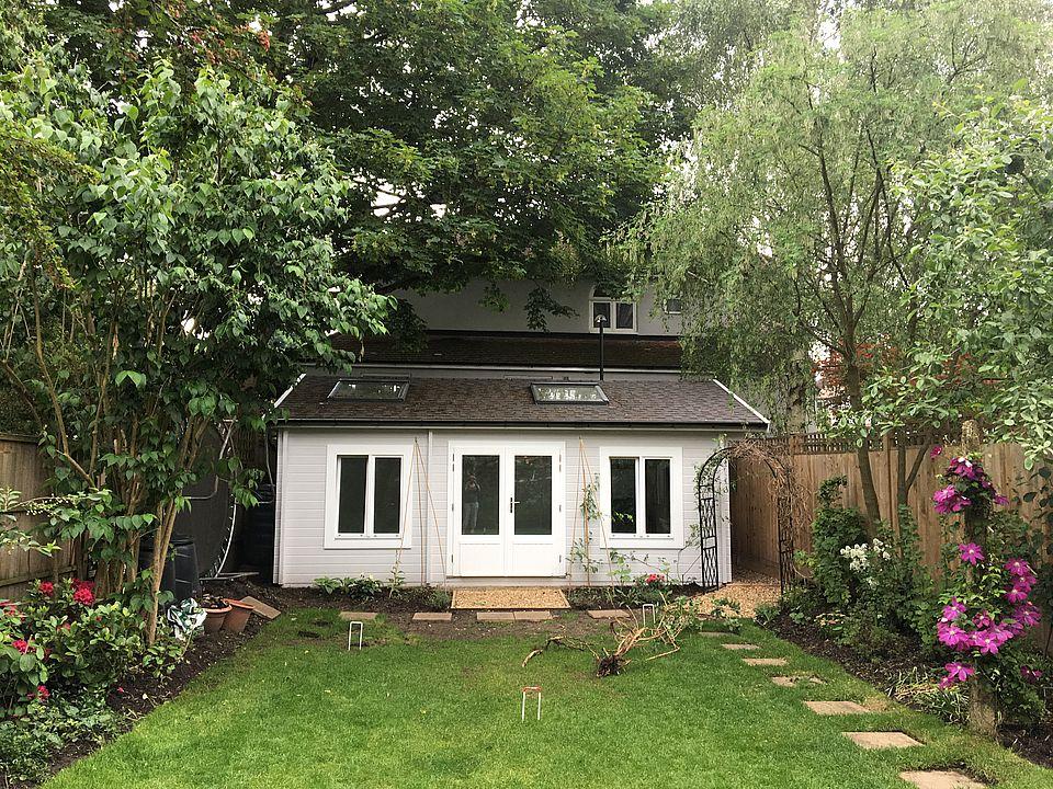 Classic yoga studio log cabin