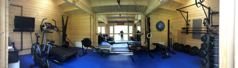 Keops Classic log cabin home gym