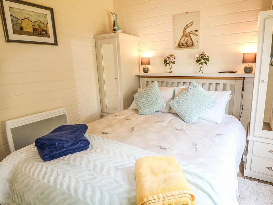 Keops Pipit mobile home bedroom