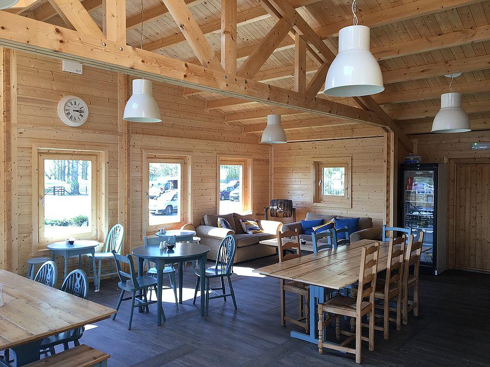 White Mills Marina - The Boathouse Cafe Interior