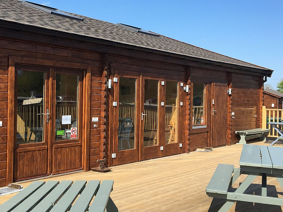 White Mills Marina - The Boathouse Cafe - Log cabin by Keops