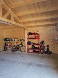 Garage with open truss