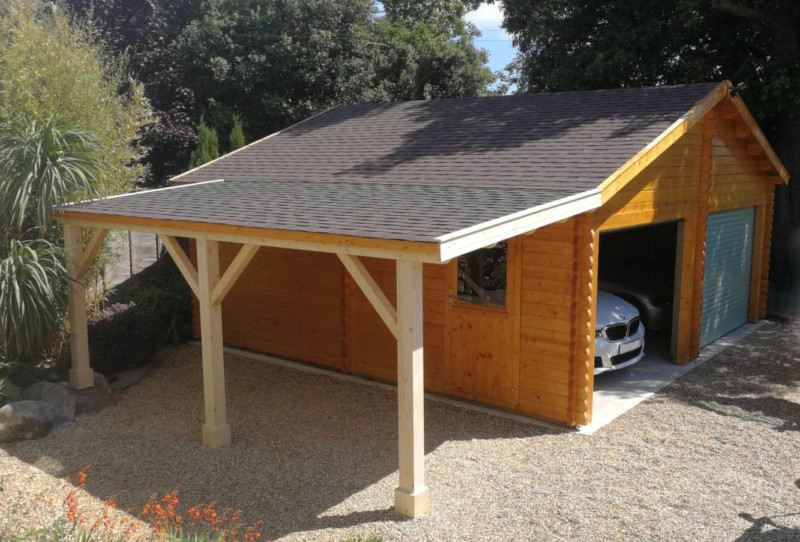 Classic garage 7000mm x 6000mm with carport
