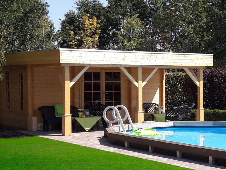 Moderna log cabin with canopy Lawton