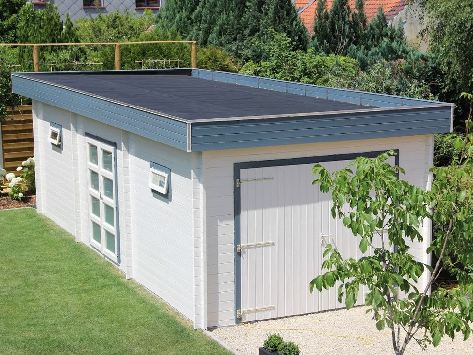 Keops Lowe Moderna flat roof garage